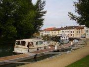 Steny am Fluß Meuse