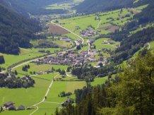 Blick auf Antholz (Südtirol)